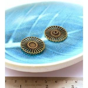 10 pieces Bronze Sun pendants