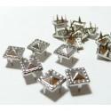 lot de 50 clous pyramide carré travaillé à griffe de 8mm PP
