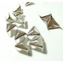 lot de 50 clous pyramide triangle à griffe de 10mm PP