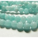 1 fil jade bleu pale 8mm ( environ 47 perles )