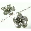 Apprêt bijoux 10 pendentifs très belle fleur VA ref 2A2145