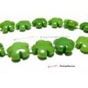 Perles et pierres: 5 perles fleurs jade teintée 5 pétales couleur Vert clair 16mm