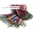 10 colliers de cordon en suédine mulitcolores H025 ( coloris aléatoire )