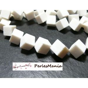 2 grandes perles CUBE Diagonale 12mm CORAIL EPONGE BLANC